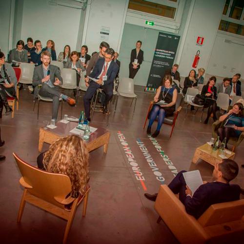 Uno dei format di eventi innovativi di ItaliaCamp è la Fish Bowl