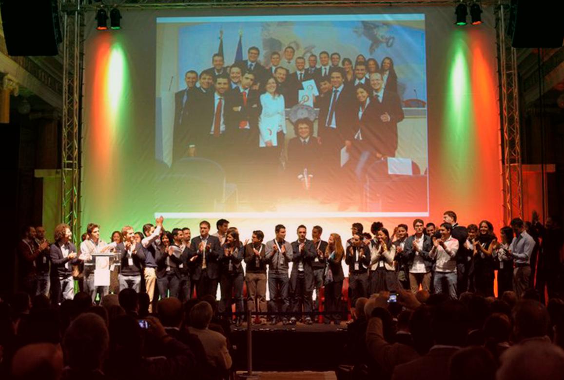 Foto di gruppo durante uno dei primi eventi di ItaliaCamp