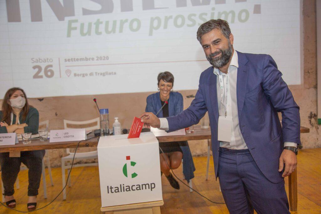 Insieme futuro prossimo assemblea Italiacamp leo cisotta